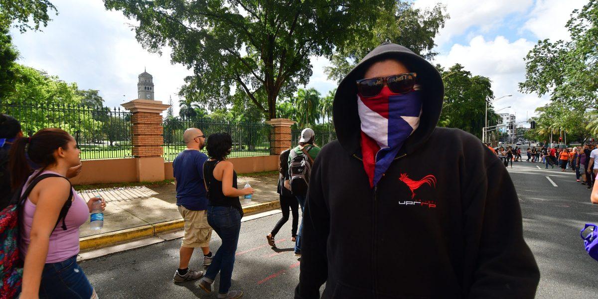 Dispuestos a que les escupan la cara por la UPR