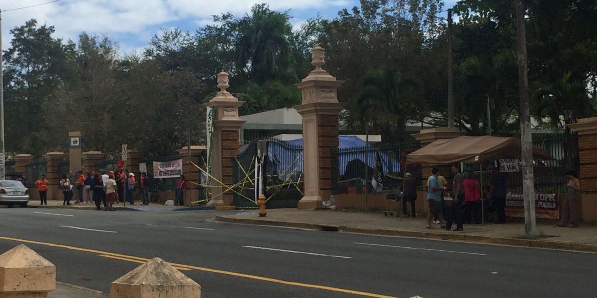 Escuela Superior de Utuado realiza paro en apoyo a la UPR