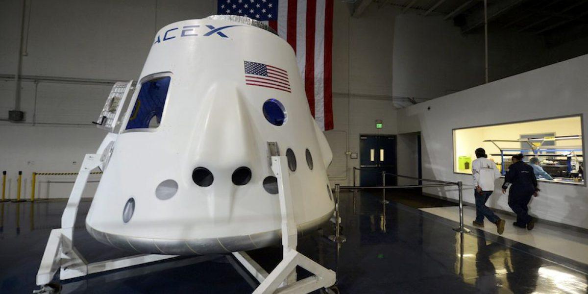 SpaceX lanza con éxito al espacio un cohete reutilizable