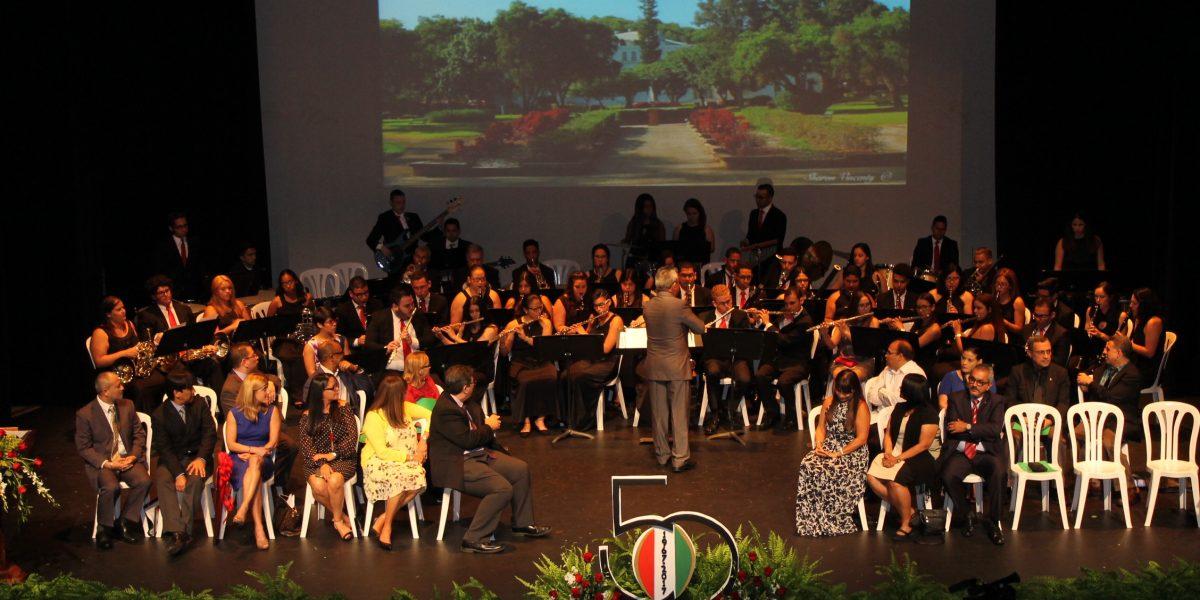 UPR Cayey honra estudiantes del cuadro de honor
