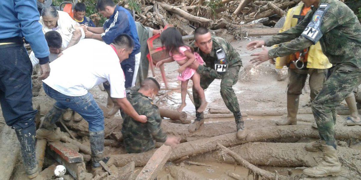 Colombia: frenética búsqueda de víctimas tras inundaciones