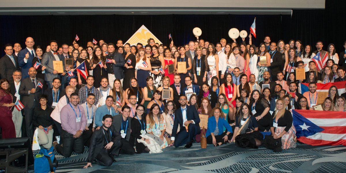 Estudiantes puertorriqueños son reconocidos en California