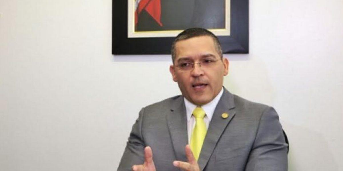 Quiquito Meléndez presenta impuesto especial para el cannabis medicinal