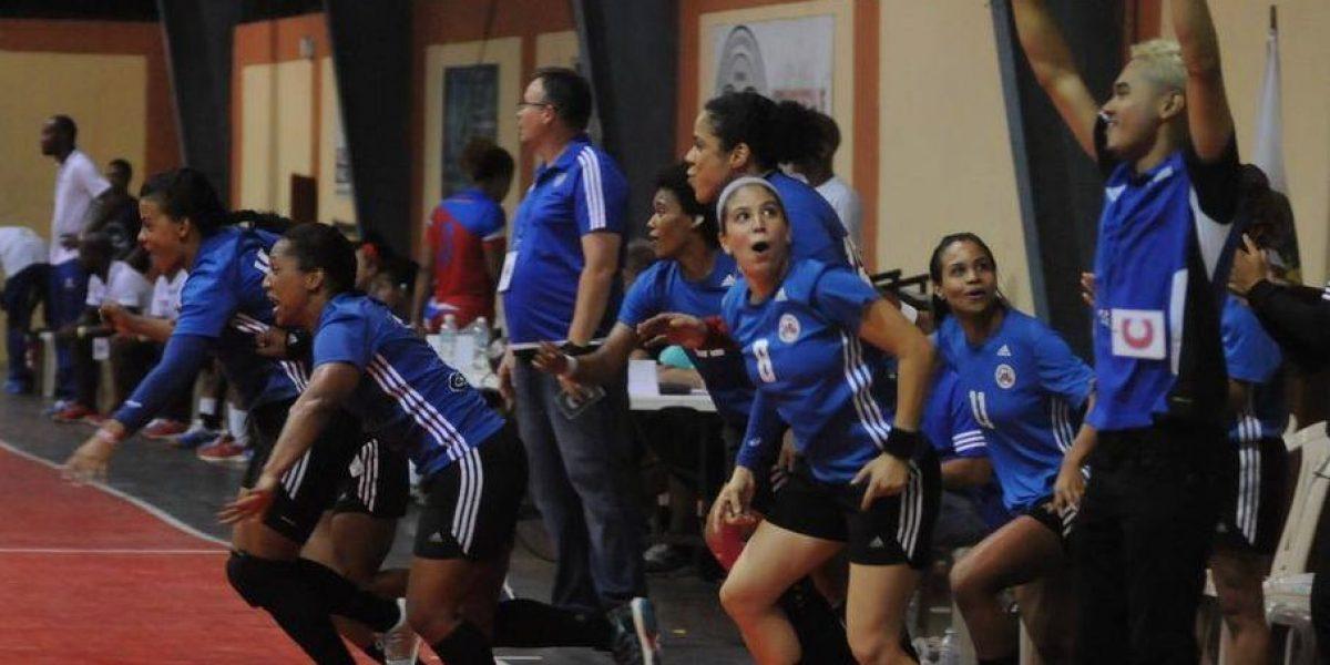 Boricuas se llevan el oro en torneo de balonmano femenino