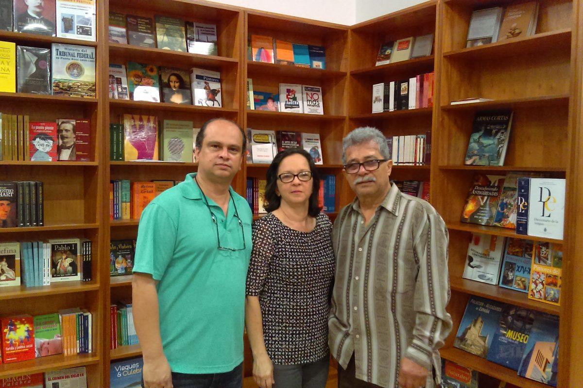 Librer a busca salvar la industria en la isla metro for Libreria casa