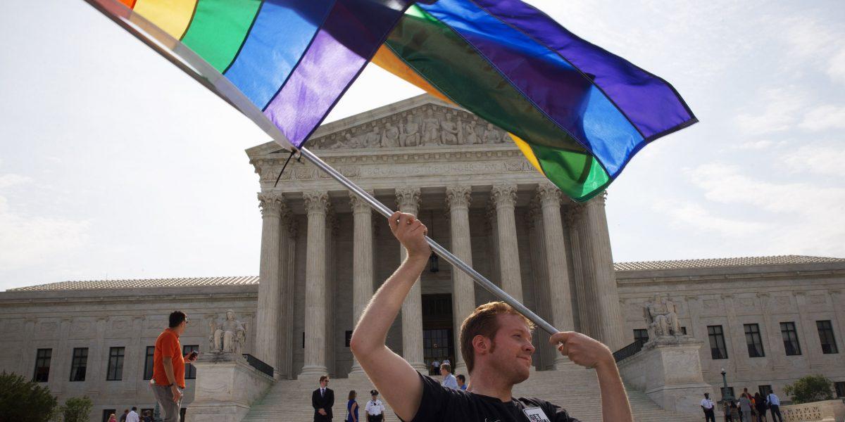 Comunidad LGBTT elogia veredicto contra discriminación en EE. UU.
