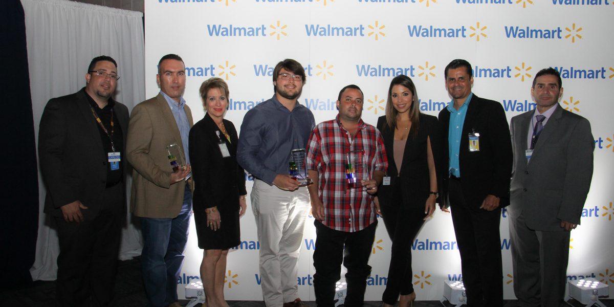 Wal-Mart premia a empresarios locales