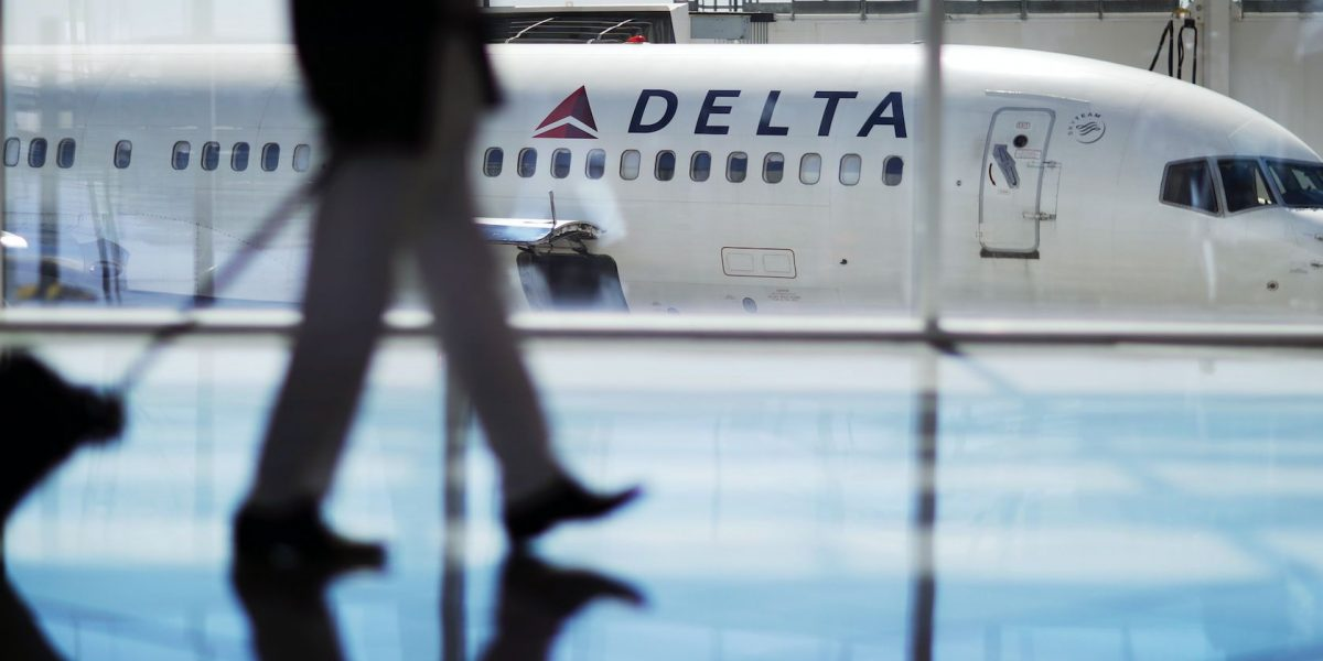 Delta cancela vuelos en Atlanta debido a tormenta