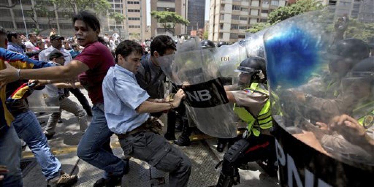 Fallece universitario en plena manifestación en Venezuela