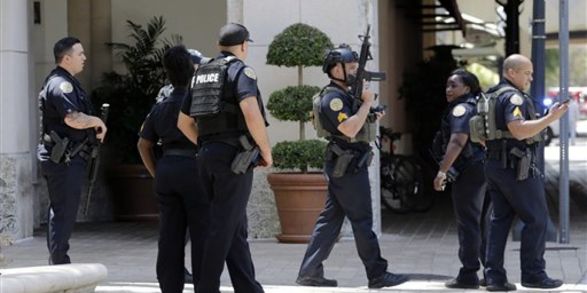 Un muerto tras tiroteo cerca de centro comercial en Florida