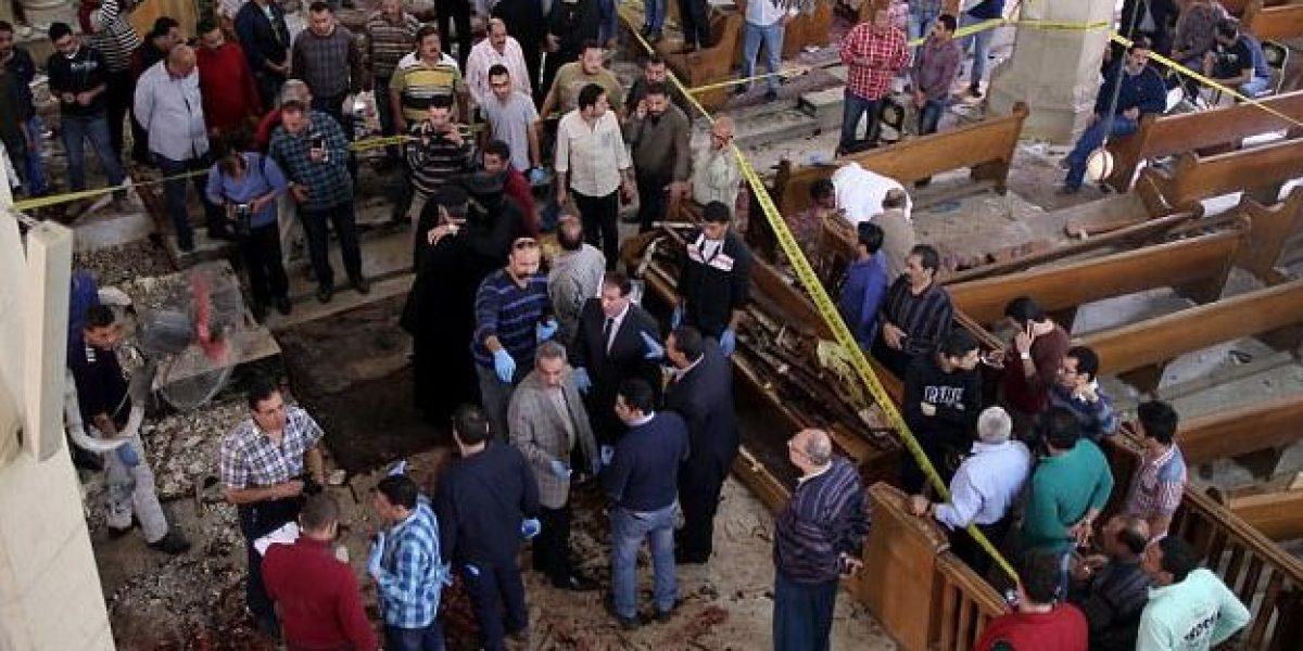 Una bomba mata a 26 personas en iglesia en Egipto