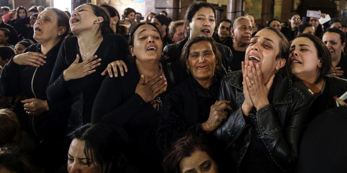 Egipto en emergencia tras atentados contra cristianos