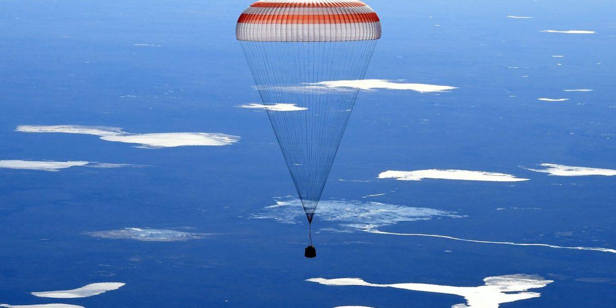 Tres tripulantes de la Estación Espacial regresan a Tierra