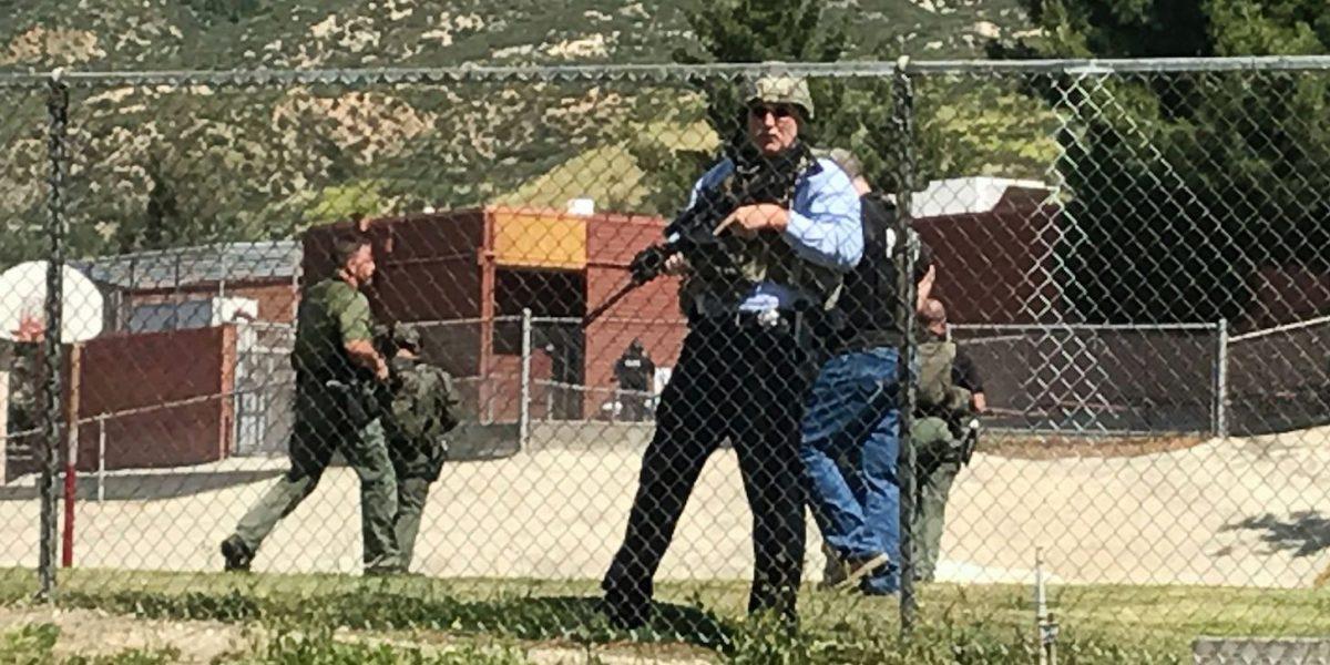 Balacera en escuela en California deja dos muertos y un herido