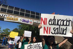 Los estudiantes marcharon hoy alrededor del complejo de Centro Médico y las instalaciones del RCM. / Foto: Suministrada. Imagen Por: Los estudiantes marcharon hoy alrededor del complejo de Centro Médico y las instalaciones del RCM. / Foto: Suministrada