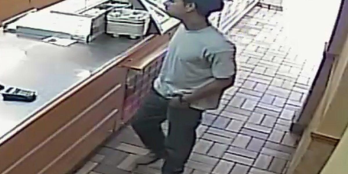 Buscan hombre por robo en restaurante de Puerto Nuevo