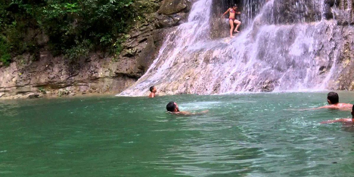 Menor sufre accidente en cascada de Gozalandia