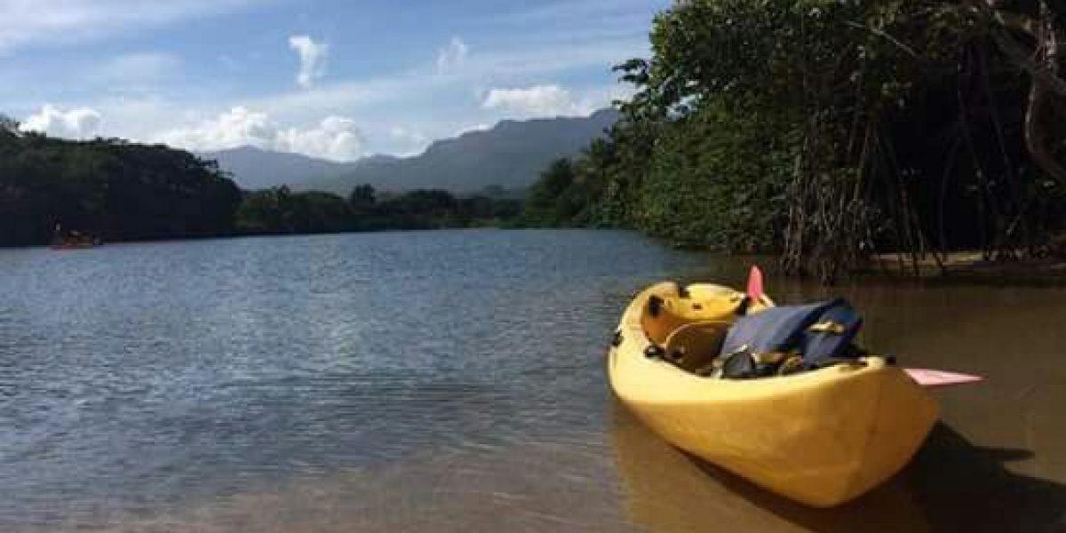 Fuera de su cauce río Mameyes en Río Grande