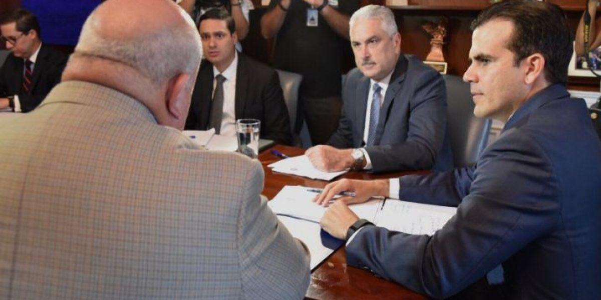 Gobernador anuncia enmiendas al proyecto del plebiscito