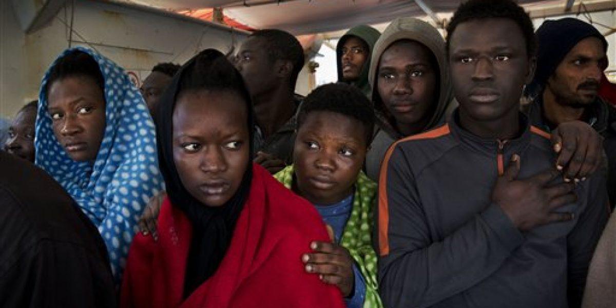 Rescatan a 8.300 migrantes del Mediterráneo