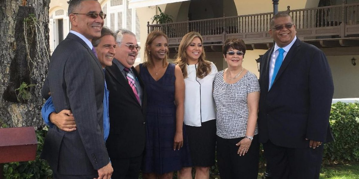 Primera Dama y presidente WIPR lanzan programa de radio