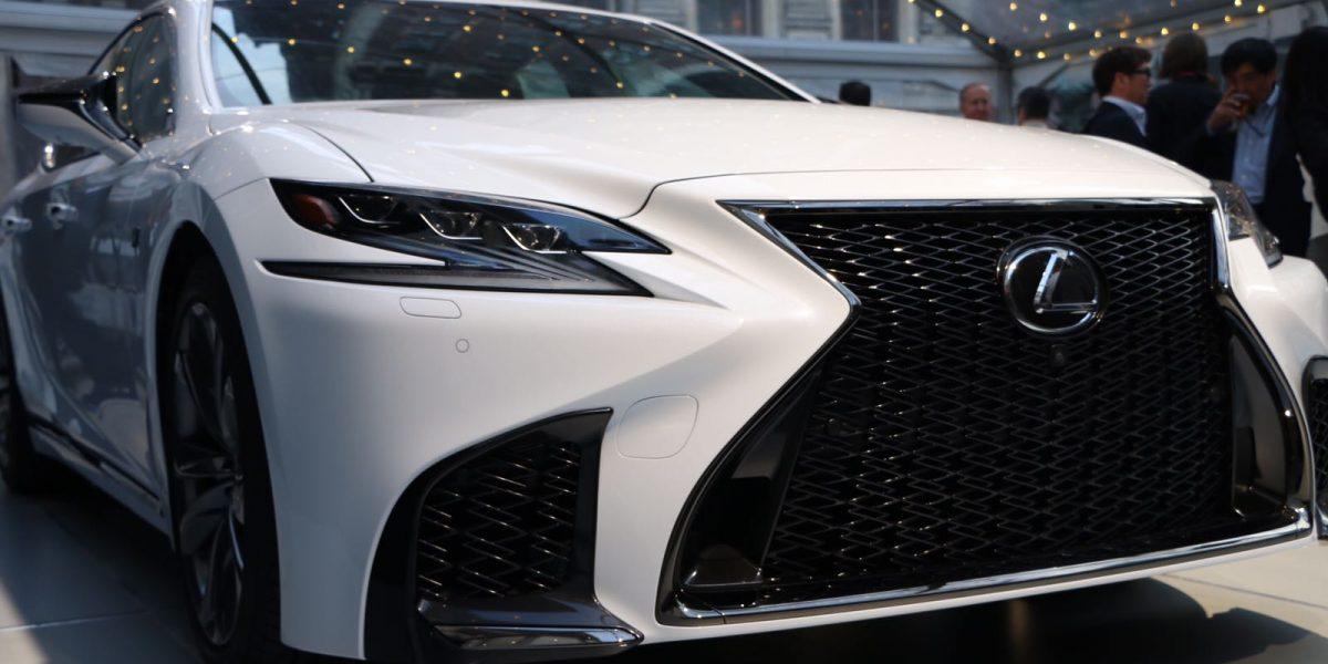 El Lexus LS 500 F SPORT deslumbra en Nueva York