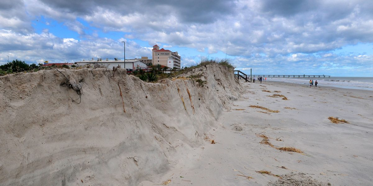 Tormenta Arlene pierde características tropicales en el Atlántico