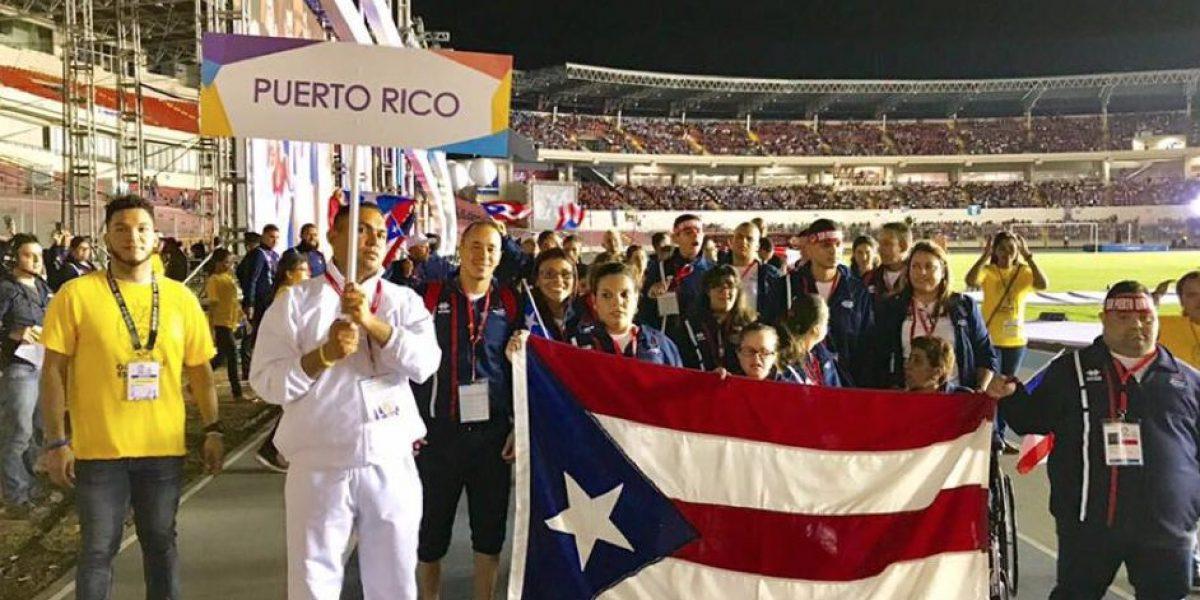 Boricuas desfilan en los Juegos Latinoamericanos Special Olympics en Panamá