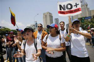 Aumentan los muertos tras múltiples protestas en Venezuela