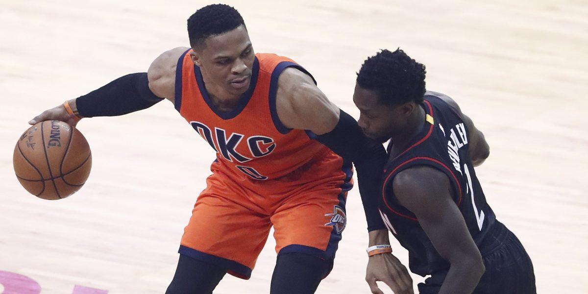 Westbrook logra otro triple doble en el triunfo de los Thunder