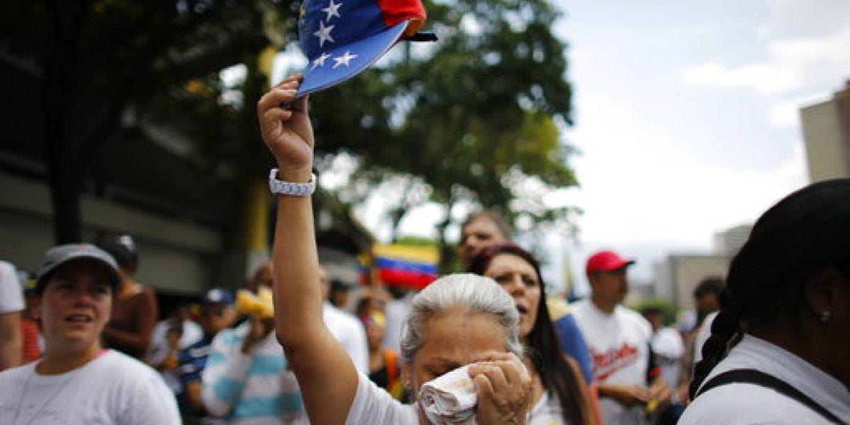 Marchan en Venezuela contra represión policial