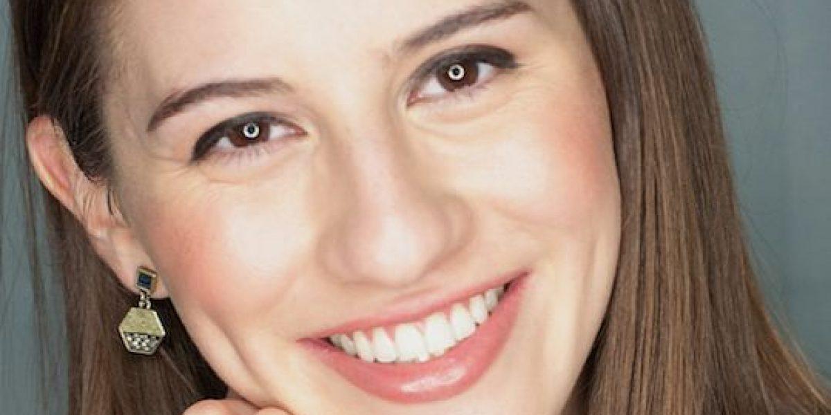 Joven autora venezolana sueña con volver a su país