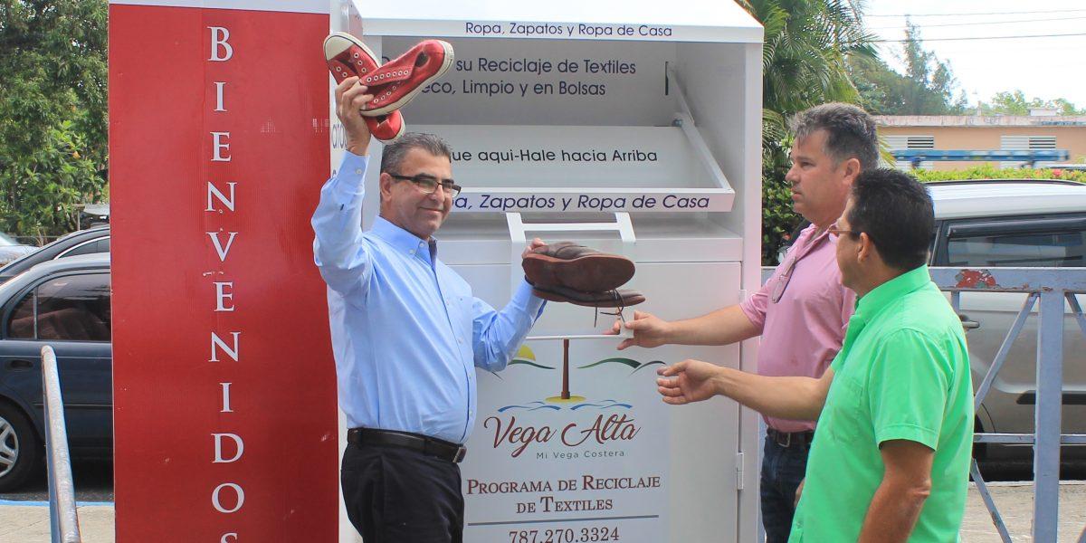 Vega Alta inaugura programa de reciclaje de textiles