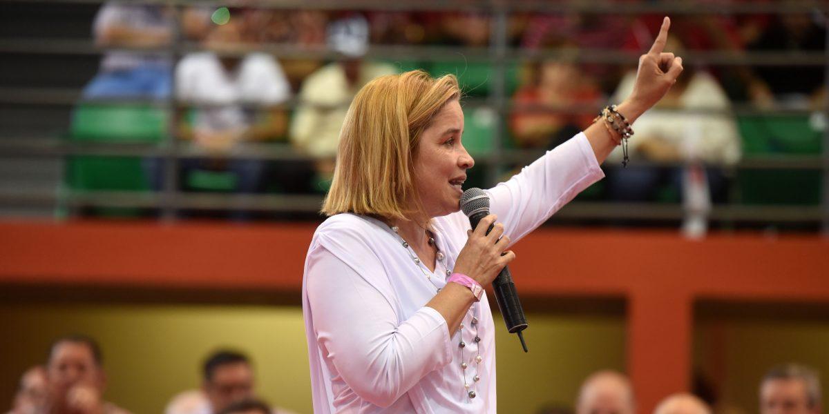 Carmen Yulín se las canta al PPD
