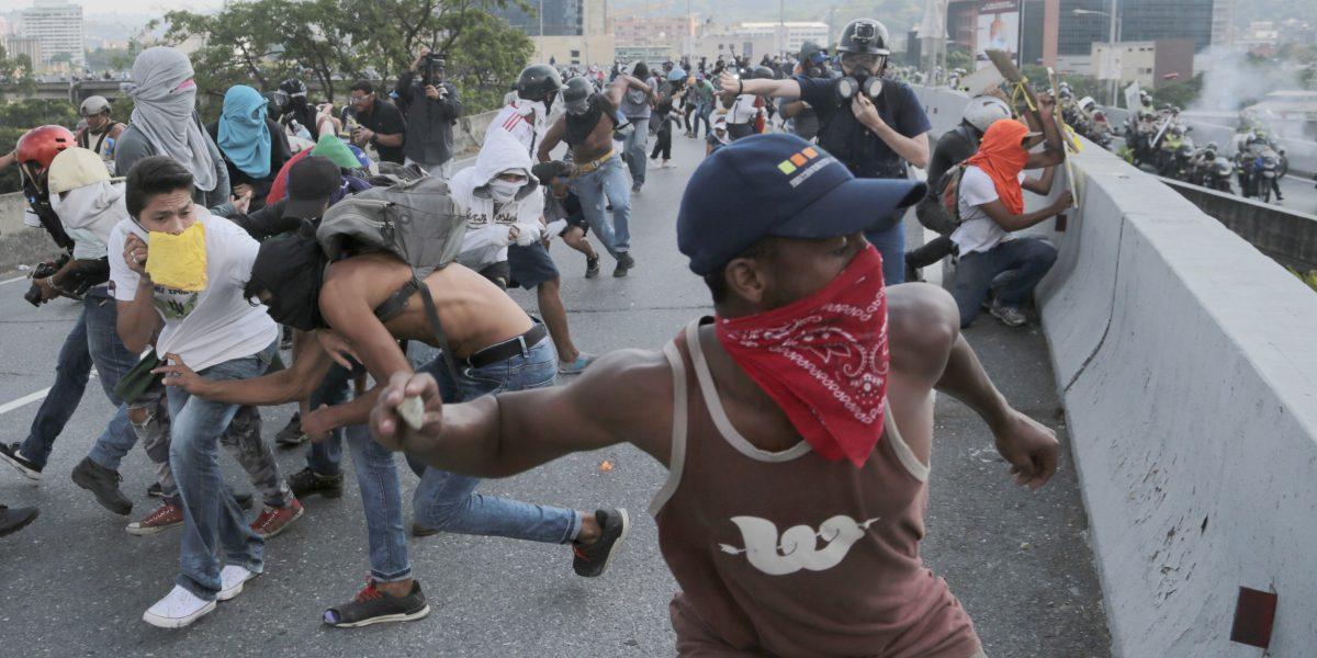 Asciende a 22 la cifra de muertos en protestas en Venezuela