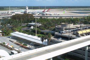 Falla en tren causa estragos en aeropuerto de Orlando