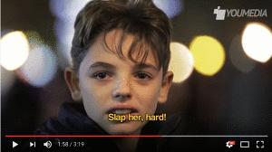 ¿Por qué se les pide a los niños alrededor del mundo que golpeen a las niñas?