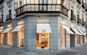 LOEWE, la expresión española del lujo masculino