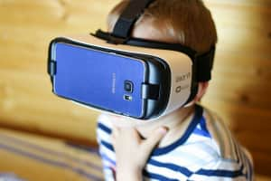 El próximo Gear VR podría venir con un control de mano