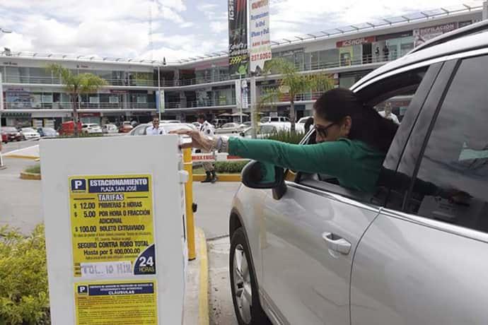 Proponen ley que regule estacionamientos de la CDMX