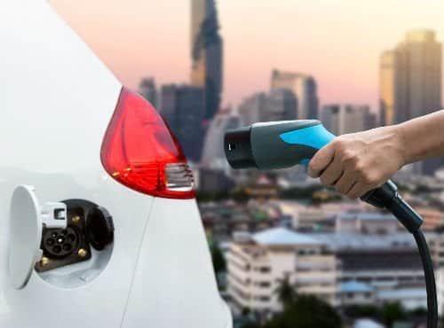 Anuncian 20 mil nuevos taxis eléctricos en China para 2020