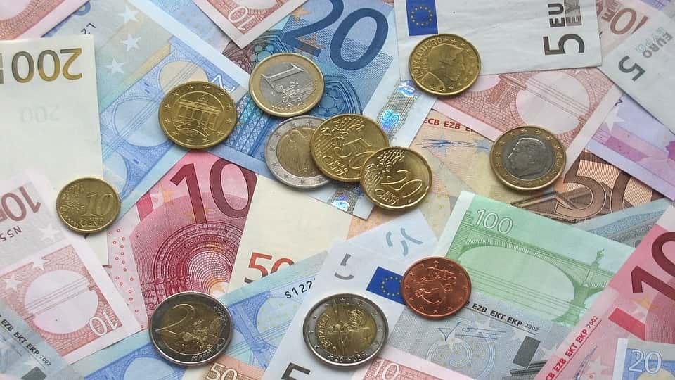 Francia pondría cuotas para circular en ciudades