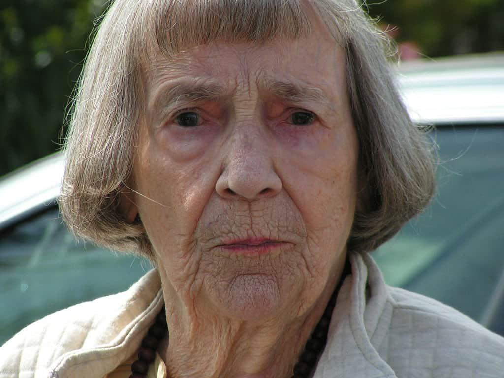 Visitar a la suegra es un motivo común de pelea en el auto, revela estudio