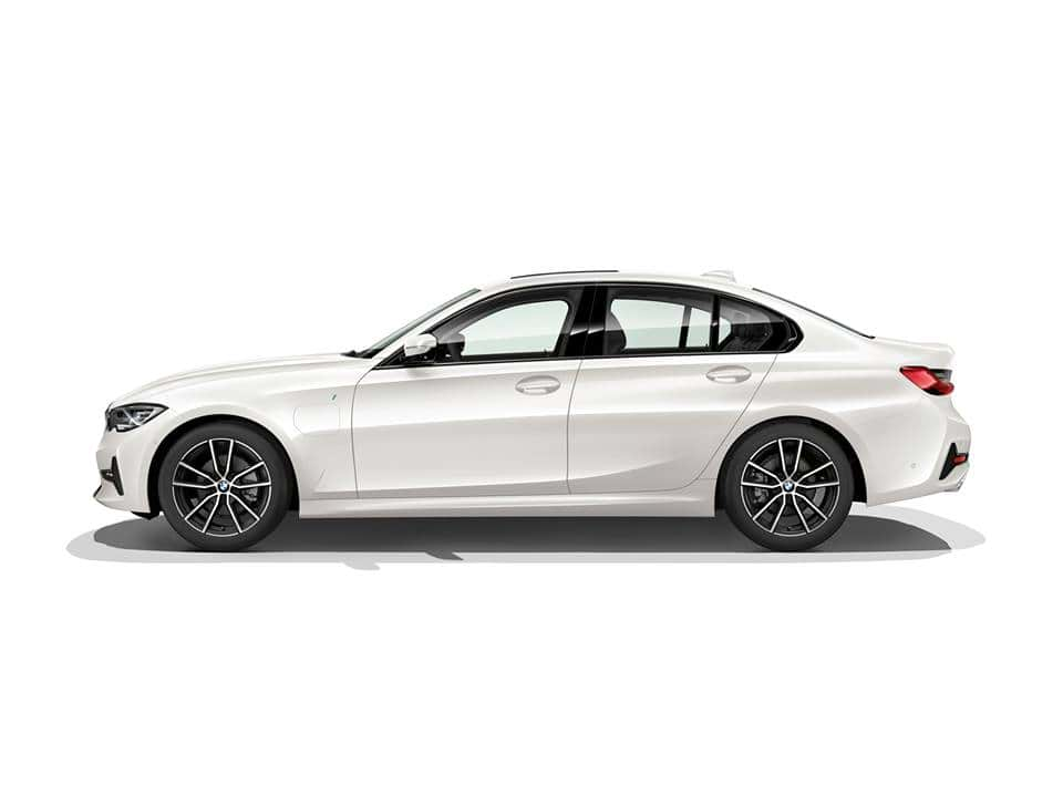 BMW 330e 2020, un híbrido que nada tiene de aburrido