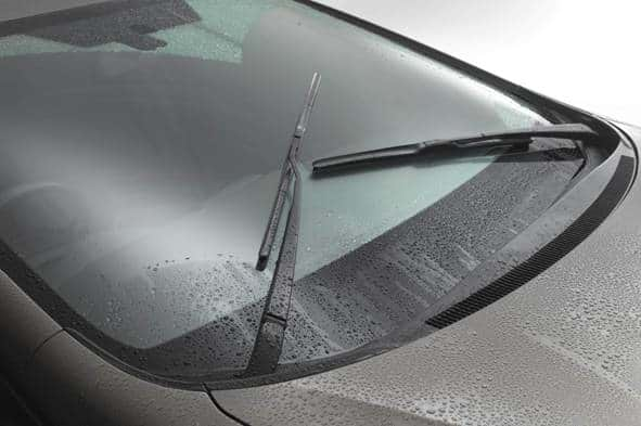 Consejos para que las gomas del limpiaparabrisas de tu auto duren más