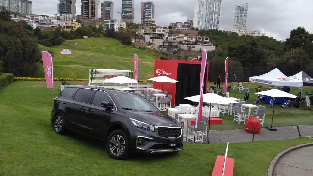 KIA sorteó un Forte en el torneo anual de golf del Club Bosque Real