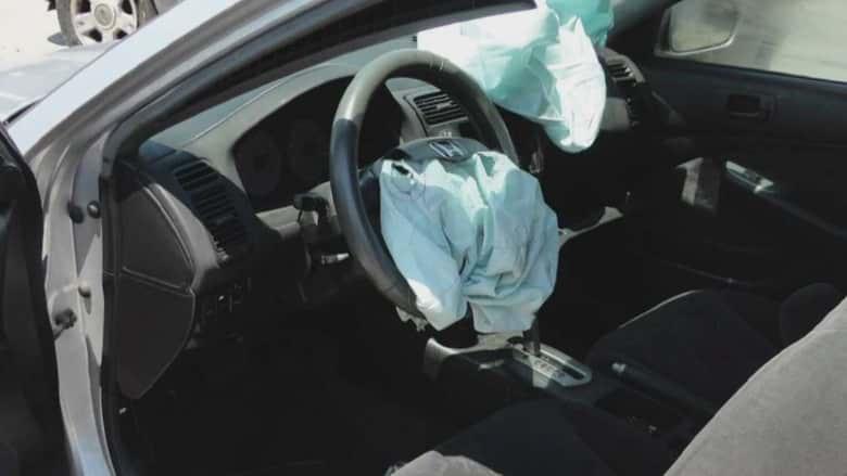 Las bolsas de aire de BMW salvan su vida; él los denuncia porque le rompieron sus lentes