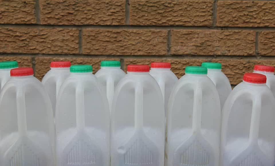 Esto es lo que debes hacer con los recipientes usados para guardar gasolina