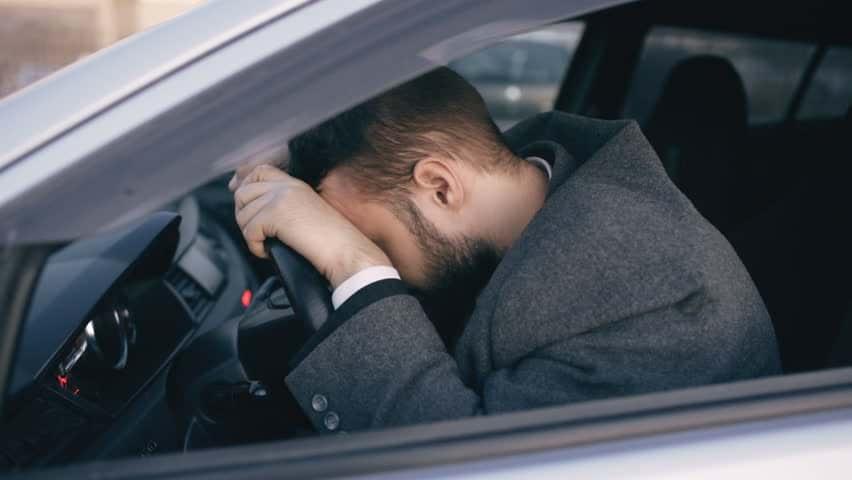 Viajar en la cajuela de un auto es una de las peores imprudencias del ser humano
