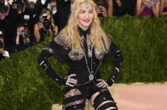 Duelo de twerking: Madonna vs. Ariana Grande, ¿quién lo hace mejor?